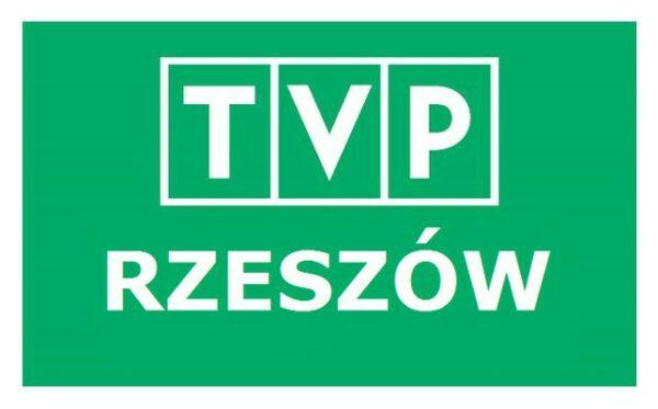 Жешувські ЗМІ про передання волонтерами Фундації шоломів в Україну