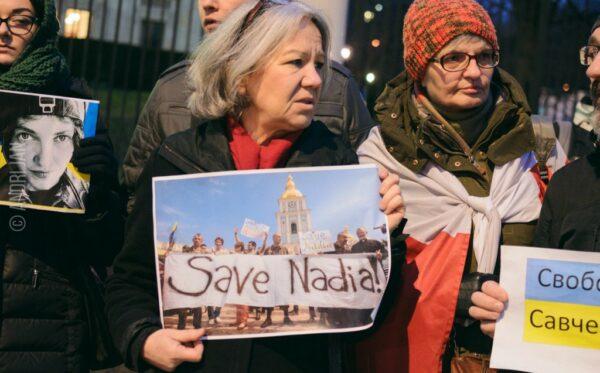 «Свободу Надії!», «Ти потрібна нам живою!» – акція біля Посольства Російської Федерації