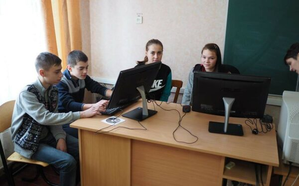 Автори мобільного додатку про Чорнобиль надають допомогу школам у зоні відчуження