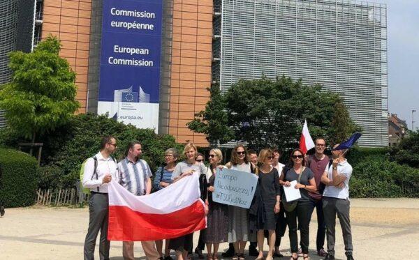 Європо, не відвертайся від Польщі!